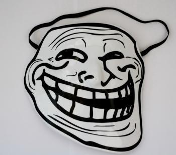 Прикрепленное изображение: troll_face_mask.jpg